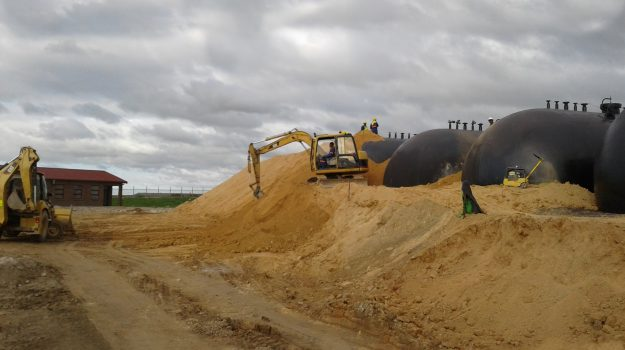 Avedia Mouding the Tanks